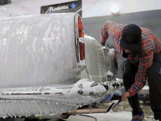 Detalj av Aston Martin DB4-kanter på ASMR