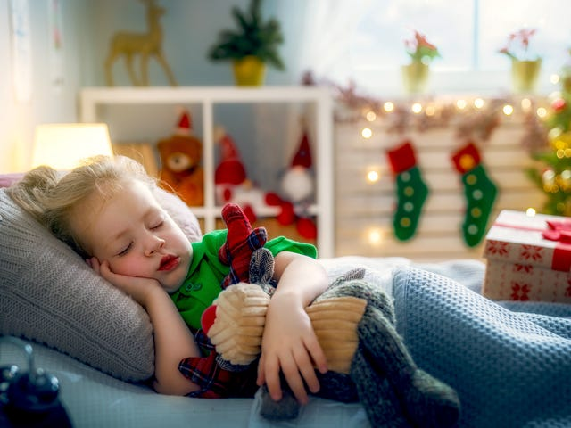 """Vänd semesterljus till festliga """"nattljus"""" i ditt barns rum"""