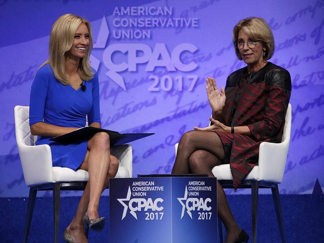 Сможет ли Кейли Макинани раскрыть наследие своего предшественника, дав хотя бы одну (1) пресс-конференцию в Белом доме?