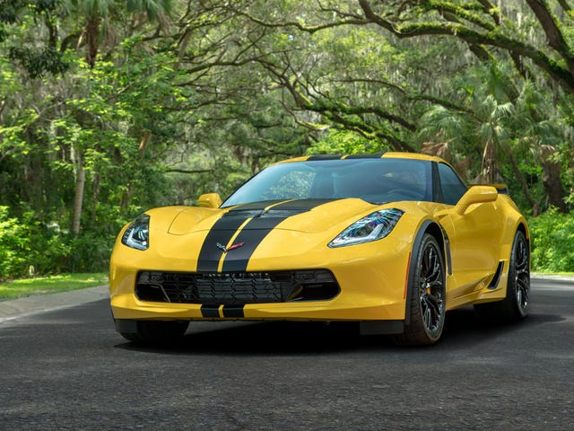 You Can Rent a 650-HP Corvette Z06 From Hertz but Only Go 75 Miles a Day