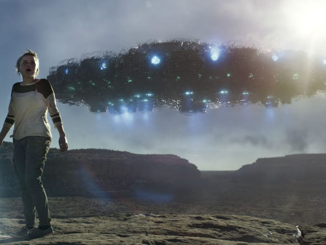 A Documentary Filmmaker Gets the Alien Footage of a Lifetime in <i>Beyond the Sky</i>
