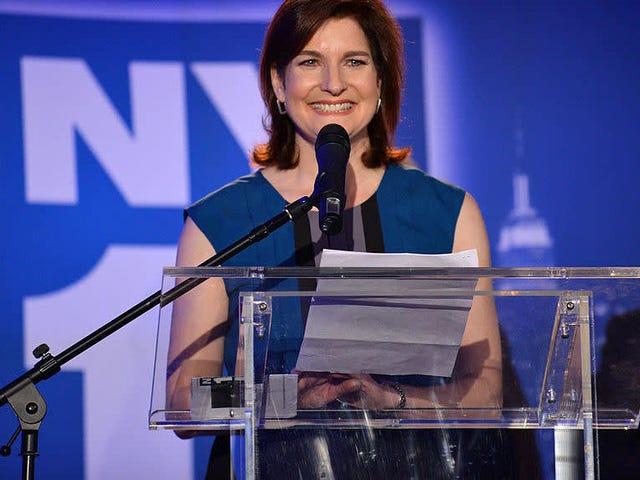 """La giornalista vincitrice degli Emmy di New York afferma che è stata """"spinta oltre perché sono una donna di 61 anni"""""""