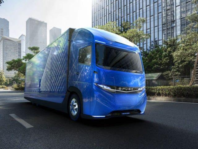 Daimler se adelanta en Tesla y presenta su propio camión eléctrico med autonomi de 350 kilómetros