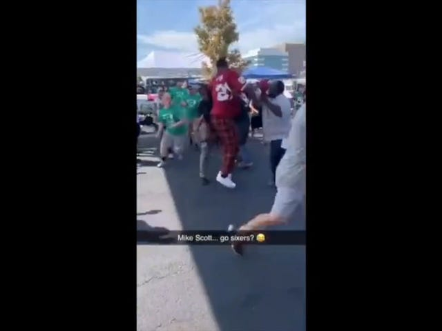 Sixers' Mike Scott Wears Washington Jersey To Eagles Tailgate, Gets Into Fight With Fans [Updates]