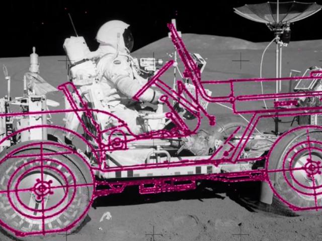 No, la Rover Lunar non è costruita su una vecchia piattaforma Jeep di Willy, ma io vorrei che fosse