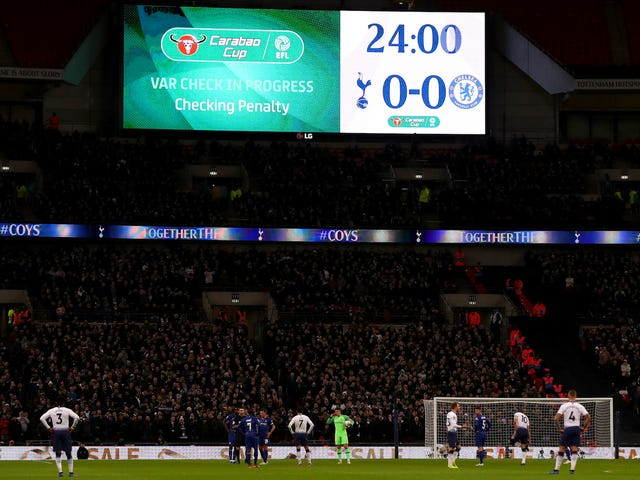 VAR Shat All Over Das gestrige Match der Tottenham-Chelsea League Cup von gestern