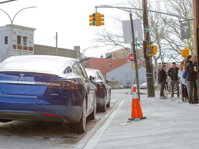 Teslaは車をオンラインで販売するだけです