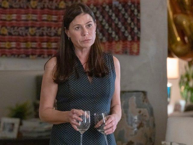 मौर टियरनी एक बार फिर दिखाते हैं कि हेलेन एकमात्र अफेयर का पात्र क्यों है