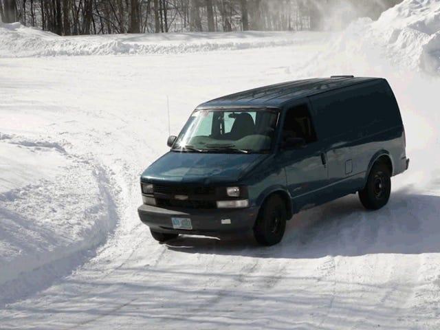 Bir Chevy Astro Van mitingde Bizarrely Harika