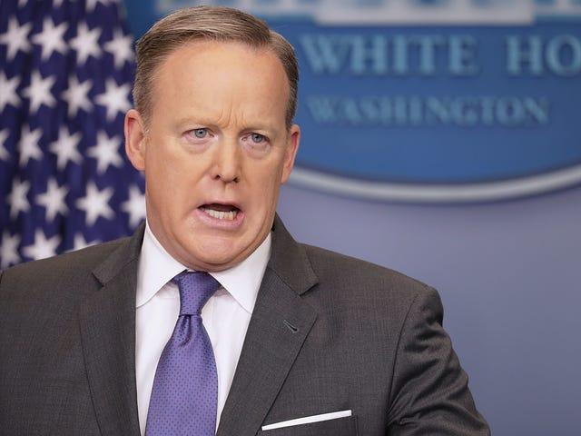 Sean Spicer skjulte sig ikke i Bushes, okay ???