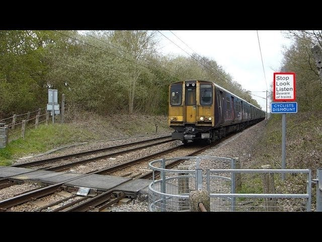 Synes det er mer enn ett jernbanefotovergang i London