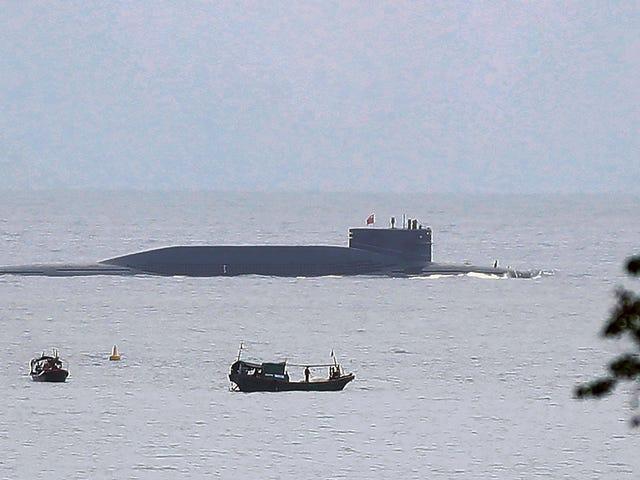 Violación del Derecho Marítimo Habitual China quiere que otros países naveguen por encima del mar en sus aguas