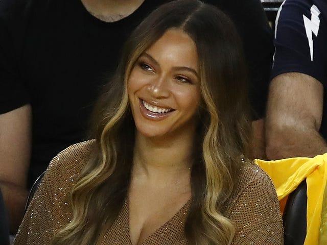 Este não é um exercício: o novo Merch de Beyoncé - e ainda vai verificar o inferno fora de você por invadir seu espaço