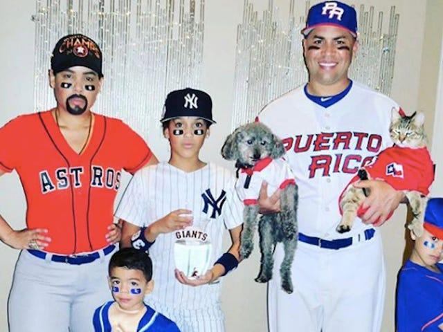 Carlos Beltran Ve Ailesi Carlos Beltren Olarak Giyindi