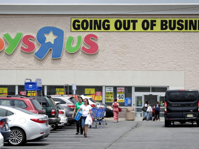 Report: Amazon May Prey on Your Toys 'R' Us Catalog Nostalgia By Mailing You Its Own