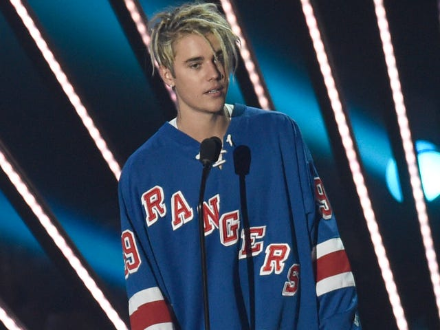 Justin Bieber Is An Equal Opportunity Sports Fan, Loves High-Level Sports Games