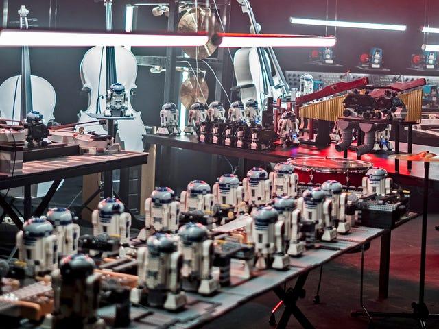 Bekijk een gigantisch leger van Lego Droids Speel het Star Wars-thema op echte instrumenten