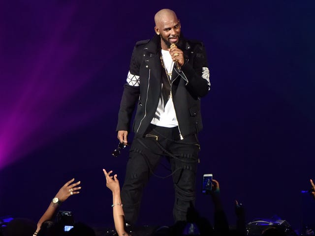 This Is the Remix to Eviction: R. Kelly's Music Booted From Spotify Playlists