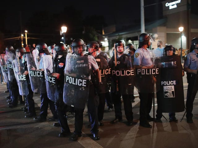 St. Louis Police Chant 'Whose Streets? Our Streets' While Making Arrests During Continuing Protests Sunday: Report