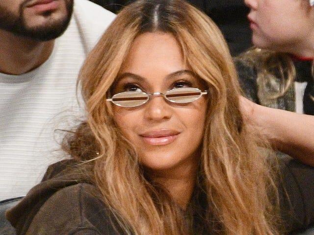 Did Beyoncé Drop More 'Becky' Hints in L.A.?