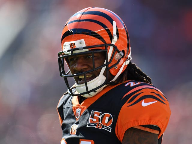 "Adam ""Pacman"" Jones Got Into A Fistfight At The Airport"