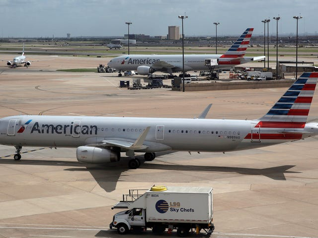 American Airlines Will Offer Early Boarding to Passengers With Nut Allergies