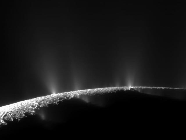 Scientists Uncover New Organic Molecules Coming Off Saturn's Moon Enceladus