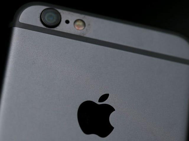 Apple sẽ bán cho bạn một pin mới cho iPhone của bạn với giá 30 đô la ngay cả khi pin của bạn không bị xuống cấp