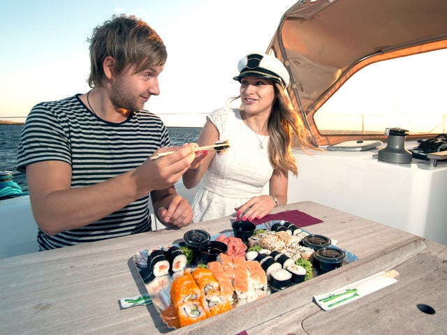 Dubai yacht supermarket to provide snacks and sundries for assholes