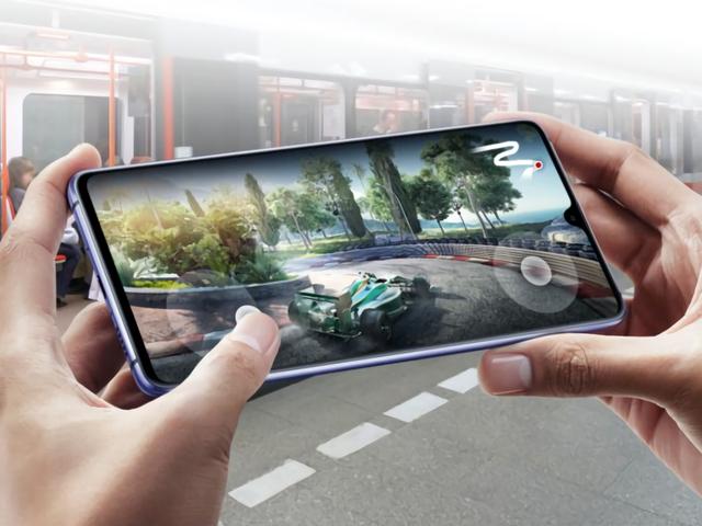 Huawei también tiene un teléfono para gamers: el enorme Mate 20 X de 7 pulgadas