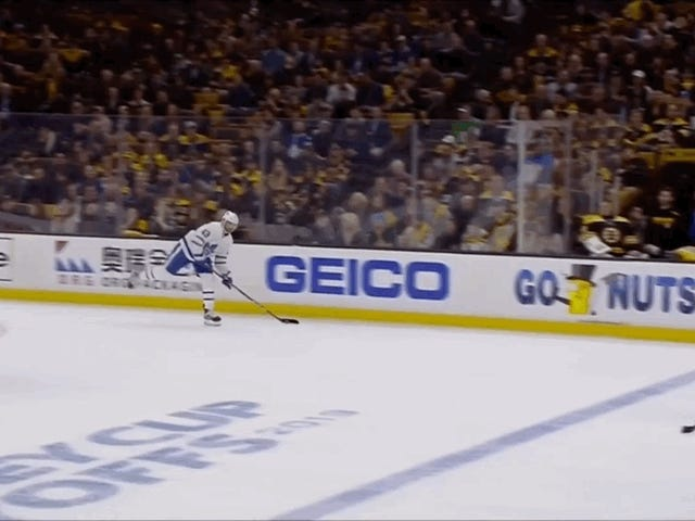 Nazem Kadri de Leafs establece una escapada hermosa para William Nylander con alimentación precisa