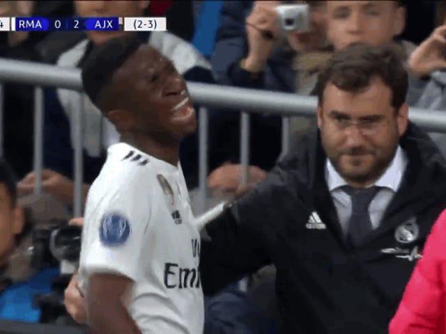 Real Madrid Starlet Vinícius Terlalu Sokong Pada Pitch Selepas Dipaksa Dengan Kecederaan