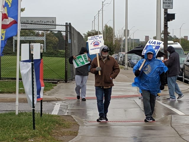 UAW GM Strikers Prepared To Walk The Line For As Long As It Takes To Get The Perfect Contract