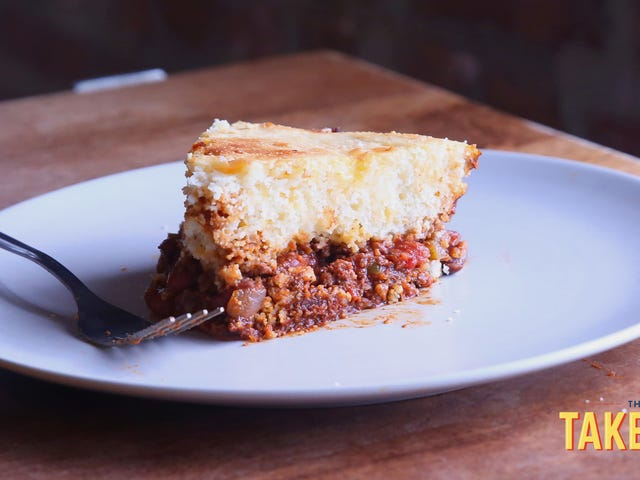 "<a href=""https://thetakeout.com/recipe-one-pan-chili-cornbread-skillet-pie-1829276144"" data-id="""" onClick=""window.ga('send', 'event', 'Permalink page click', 'Permalink page click - post header', 'standard');"">Make chili-cornbread skillet pie, a hearty dinner in a single pan<em></em></a>"