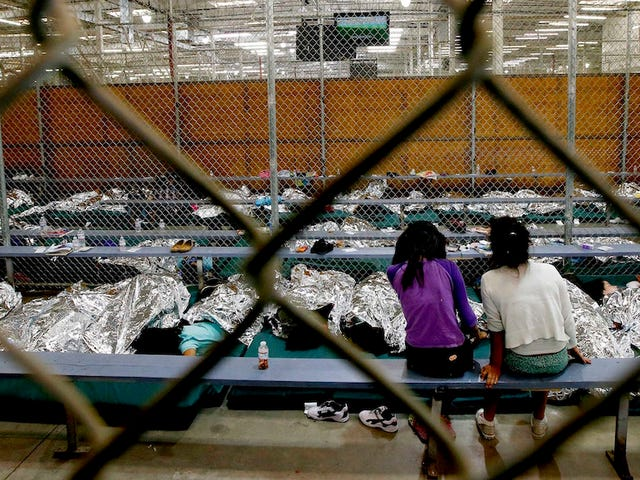 Senate Report: U.S. Placed Over a Dozen Immigrant Children With Human Traffickers