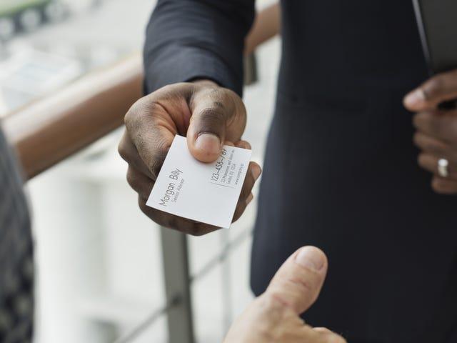 Γρήγορα σάρωση και μεταγραφή επαγγελματικών καρτών με αυτήν την εφαρμογή