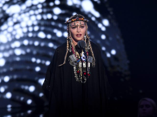 Y'all Should Have Known Better Than To Task Madonna With The Aretha Franklin Tribute