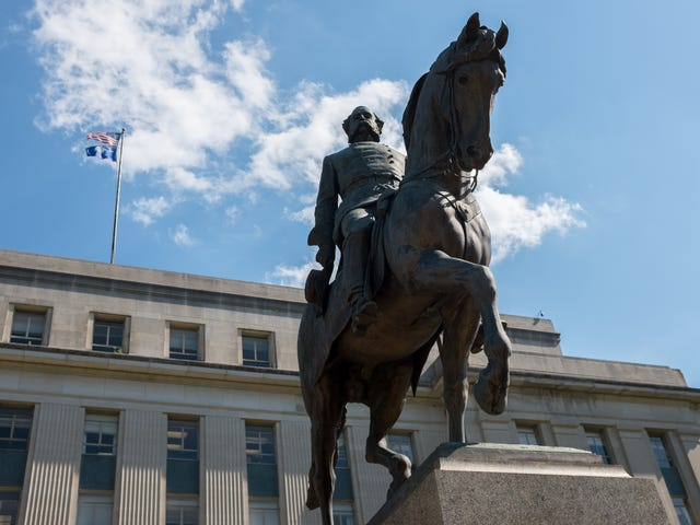 SC Politicians Try to Rinse Confederacy of White Supremacy by Honoring 'Black Confederates'