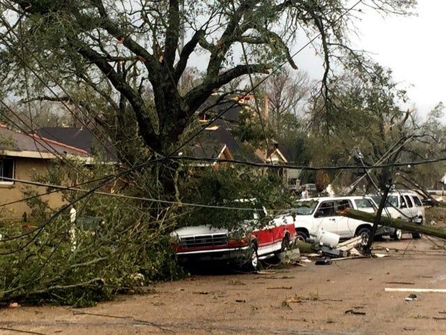 Tornados berühren in La., Verwüsten Verwüstung in Gebieten, die von Hurrikan Katrina schwer getroffen werden