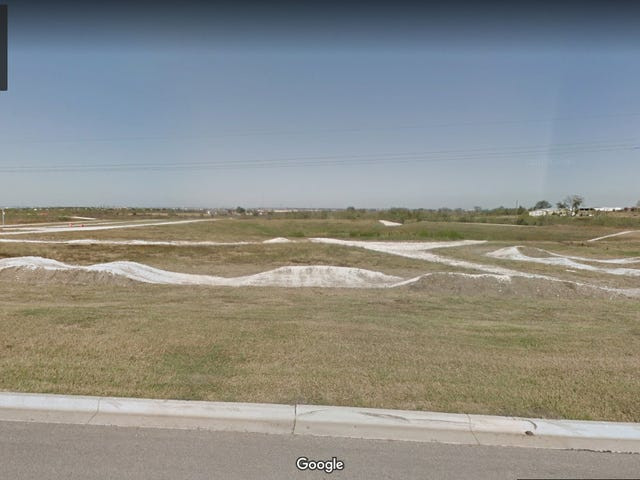 What's the deal with this mini off road track outside COTA?
