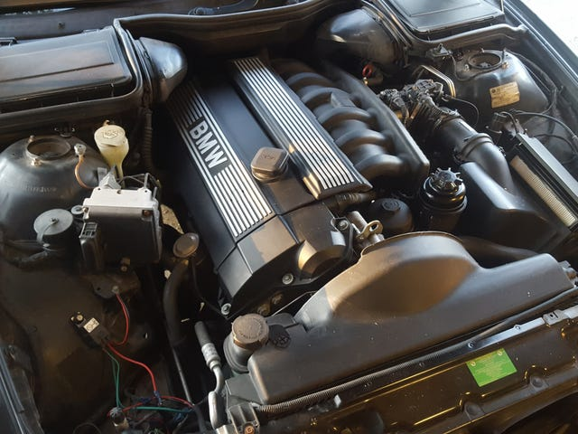 Tips for Replacing the Starter on a BMW Inline-6