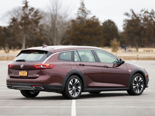 Buick Has No Idea How To Actually Sell The Regal TourX Wagon