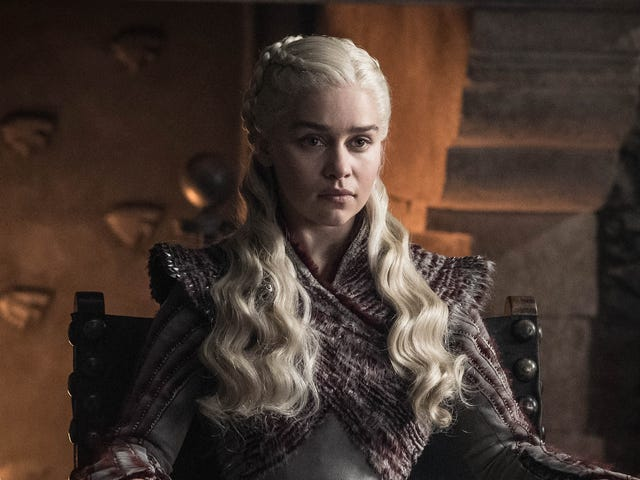 'Hvor er min no-whip latte ?!' - Daenerys Targaryen set nyder Starbucks på Game of Thrones [Opdateret]