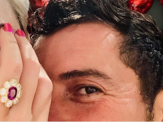 Katy Perry's Engagement Ring Looks Vaguely Familiar