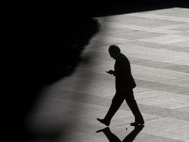 How to Track a Cellphone Without GPS—or Consent