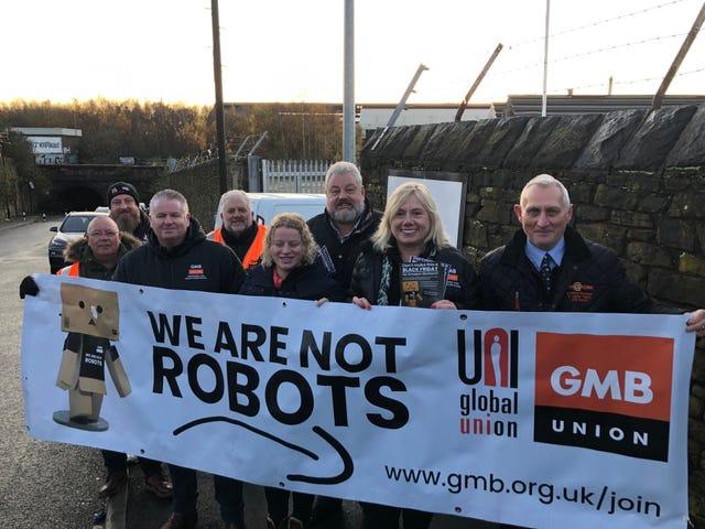 Pour le Black Friday, les grévistes à travers l'Europe demandent à Amazon d'améliorer ses conditions de travail