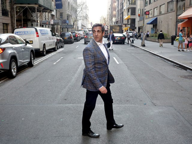 Michael Cohen Breaks Up With Trump and Makes It Social-Media Official