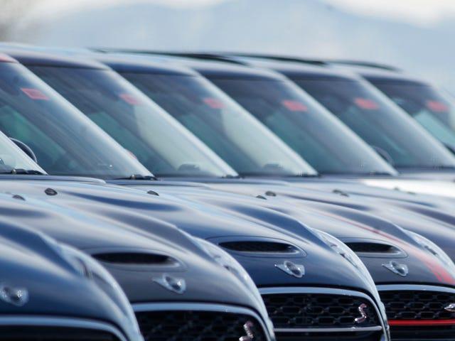 ¿Por qué los sitios web de anuncios de automóviles permiten a los distribuidores publicar precios engañosos?
