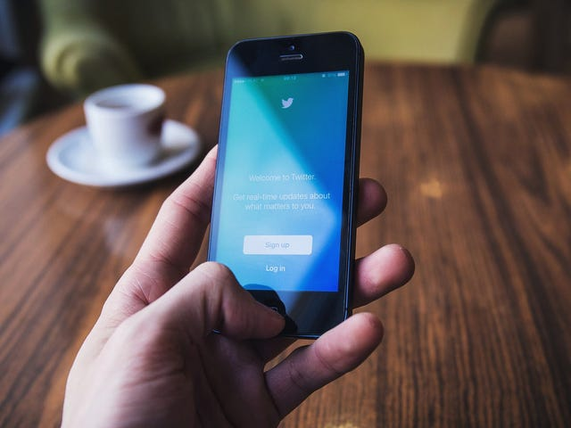Làm thế nào để giữ truyền thông xã hội của bạn Creeping tư nhân