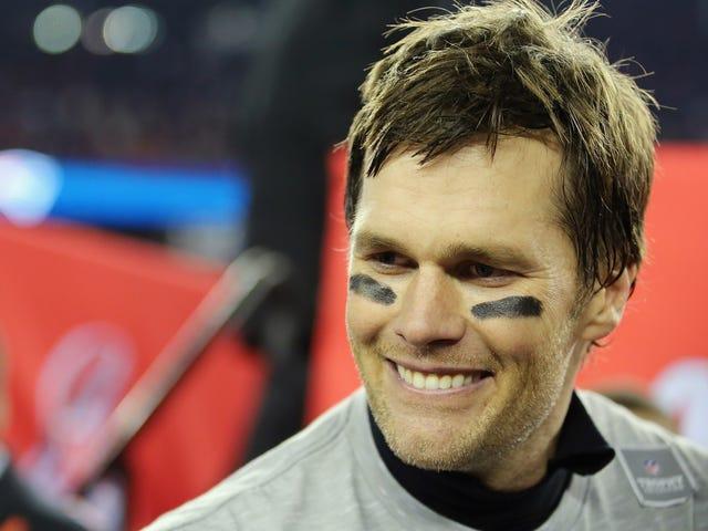 """Tom Brady interrompe l'intervista WEEI breve perché l'host ha chiamato il suo bambino un """"fastidioso piccolo pisello"""""""